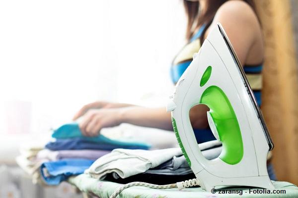 Tipps zum stressfreien Hemden bügeln.